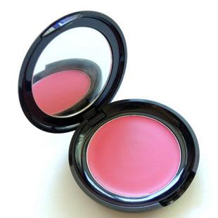 粉色腮红搭配什么眼影